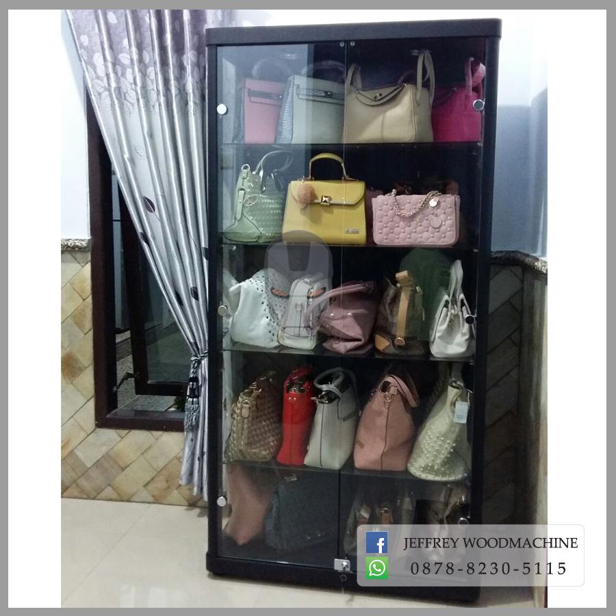 Lemari Kaca Untuk Produk September 2017 Fila Women Oglio Shoes Putih Pink Rak Pajangan Louis Vuitton Dan Gucci