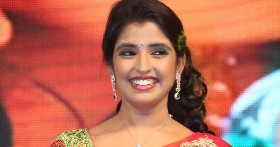 Anchor Shyamala Hot Saree Hd Pics,Anchor Shyamala Latest