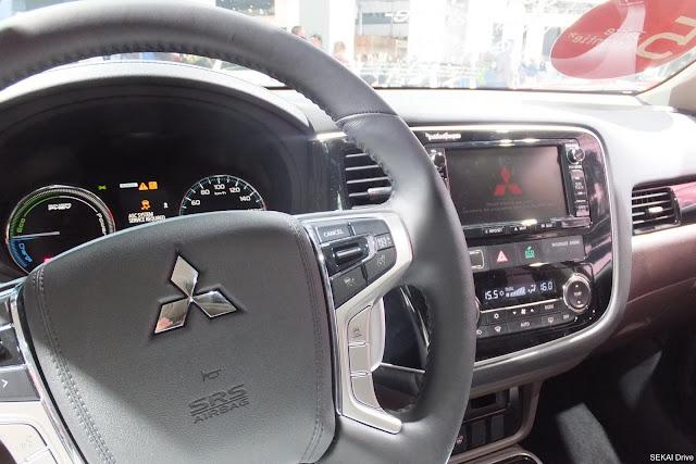 アウトランダーステアリング Outlander-steering-wheel