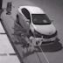 ΣΟΚ ΧΩΡΙΣ ΑΙΤΙΑ!!! Αγέλη αδέσποτων σκυλιών καταστρέφουν σταθμευμένο αυτοκίνητο!! (Βίντεο)