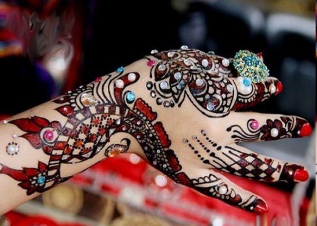Best Pakistani Girl Wallpapers Eid Mehndi Design Hd Wallpapers Free Download Mehndi
