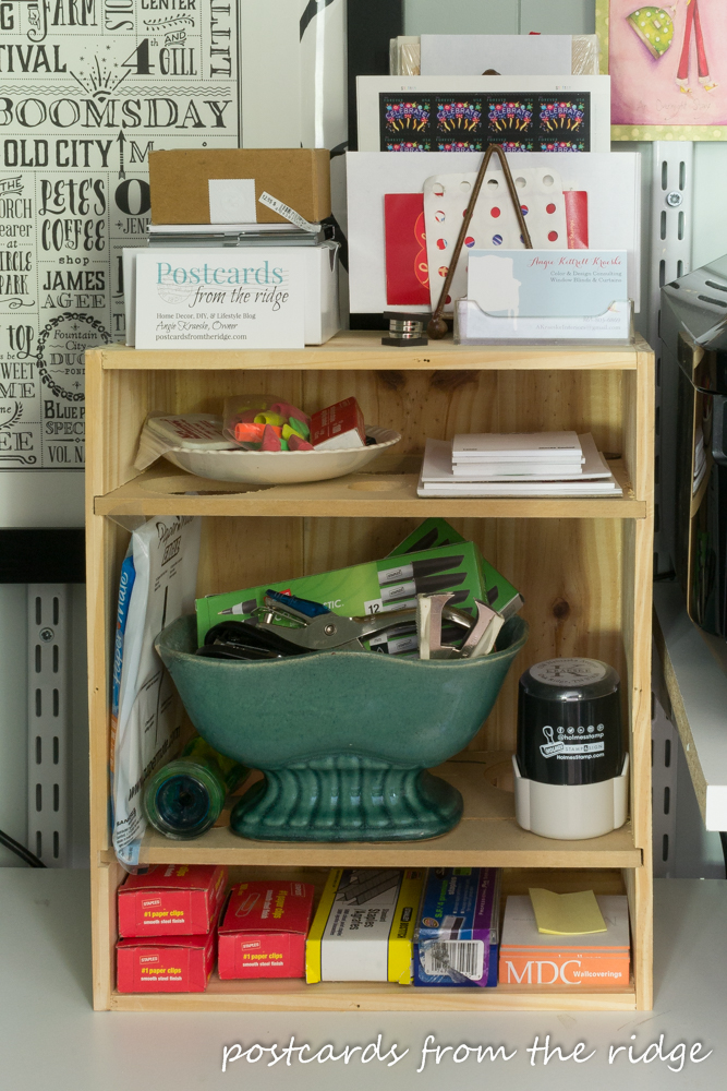 Home office organization tips. So many clever things used for home office organizing!