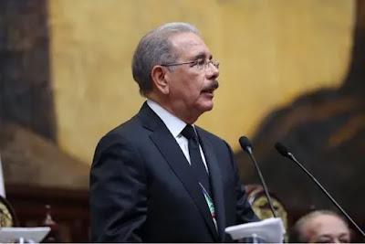 Danilo Medina destituye a Franklyn Almeyda