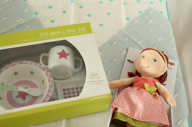 Geschenkideen Taufe Geschirrset erste Puppe Jules kleines Freudenhaus