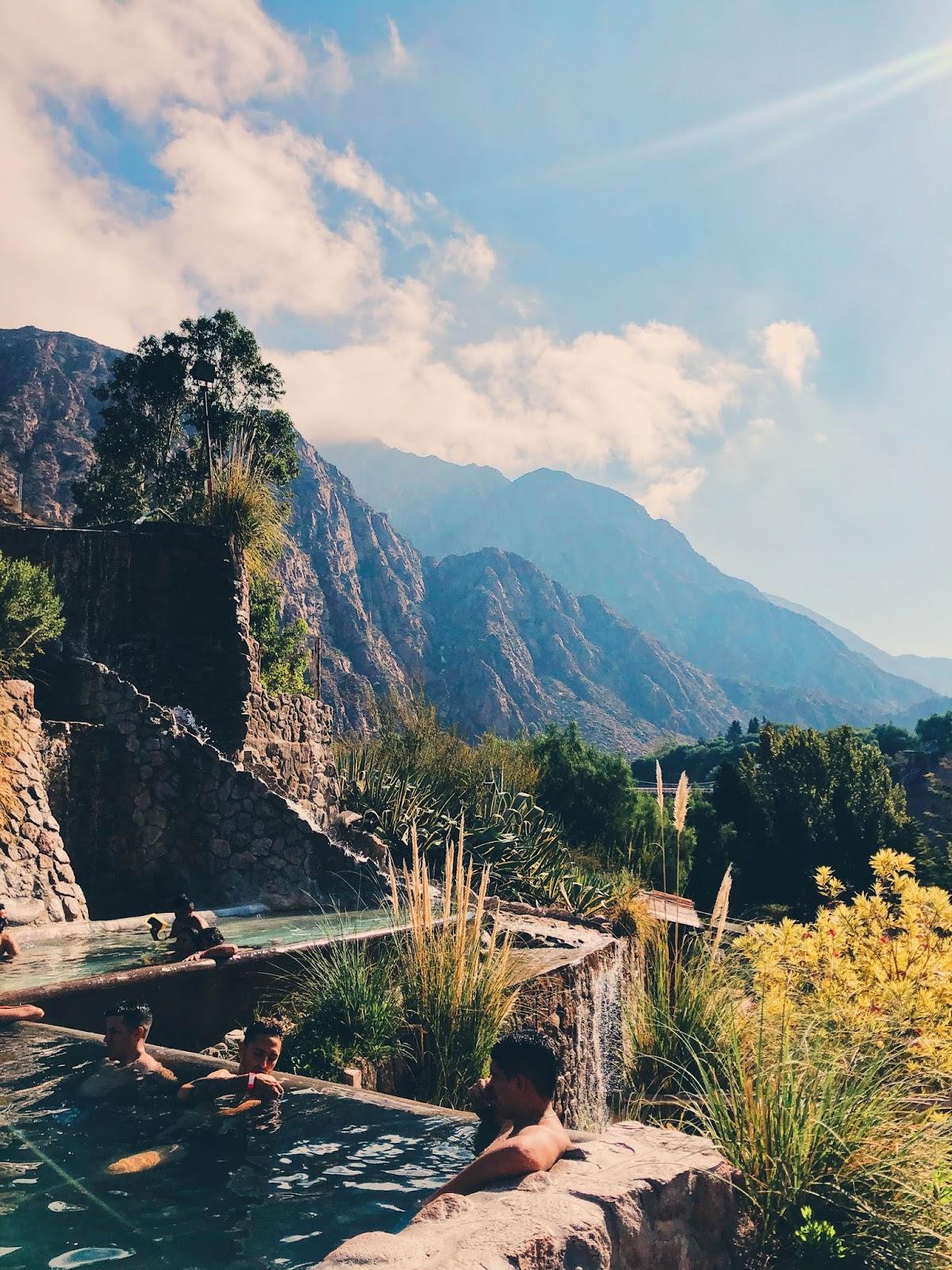 Termas de Cacheuta -  4 días en Mendoza, Argentina - Itinerario completo día por día de que hacer.