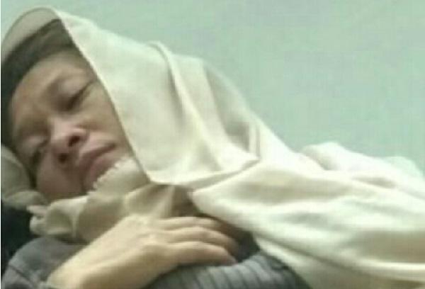 """Nining """"Kalangkang"""" Meida Terbaring di Rumah Sakit"""