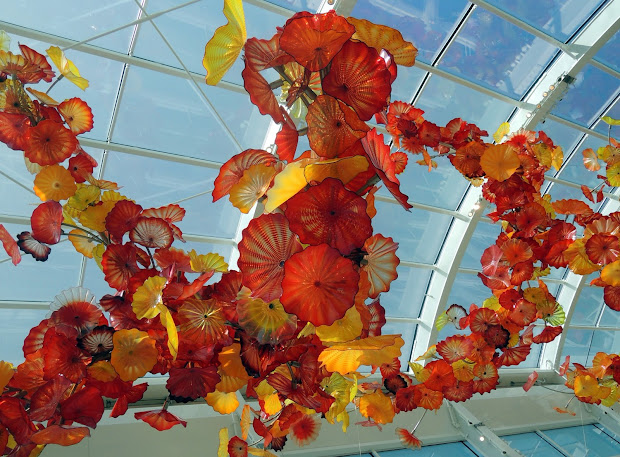 Dina' Travels Chihuly Museum Seattle