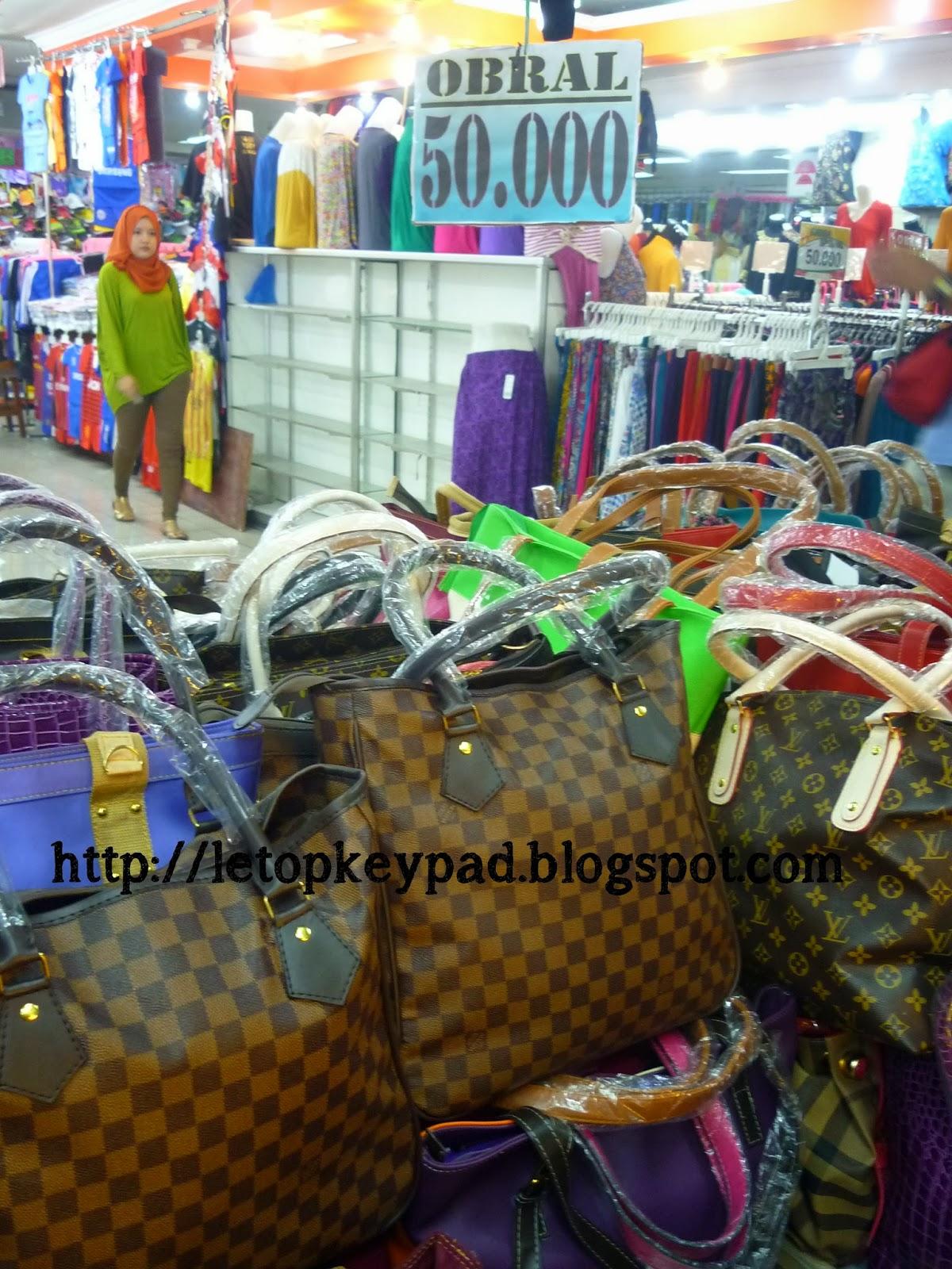 Pengalaman Bercuti di Bandung: Day 3 Part 1 ( Pasar Baru)