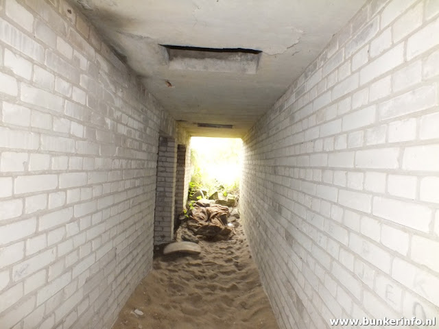 Bunkerinfo bunkers info foto 39 s locaties en meer manschappenverblijf for Hal ingang