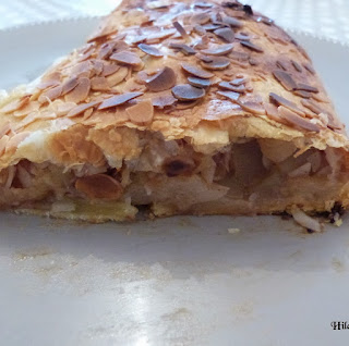 https://danslacuisinedhilary.blogspot.com/2013/12/strudel-feuillete-aux-pommes-puff.html