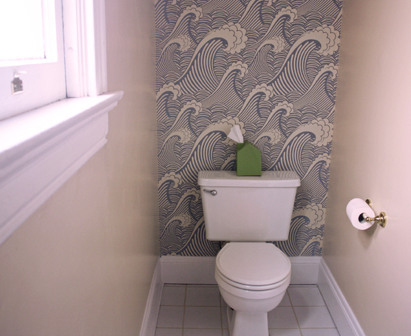 Removable wallpaper in the bathroom | How About Orange | Bloglovin'