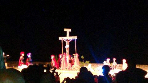 Paixão de Cristo leva multidão na cidade de Maria.