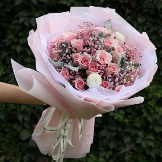Hanoi Valentines Day flowers
