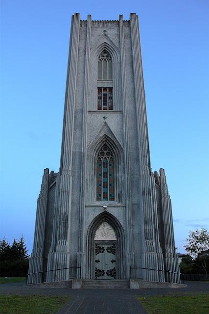Iglesia católica de Landakot en Reikiavik