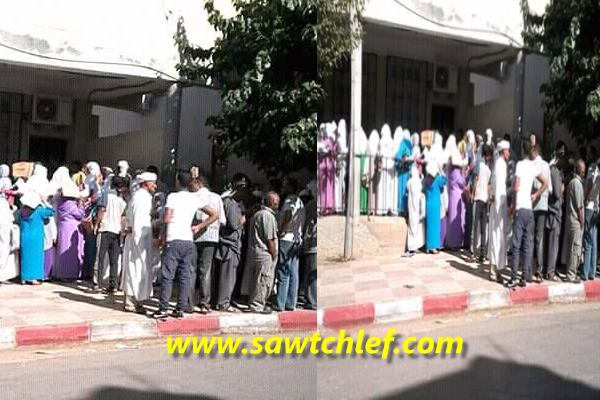 المبيت امام البنك لحصول المتقاعدين على معاشاتهم  ببنك بدر عين مران