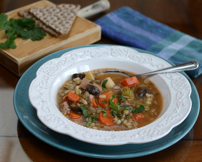 Beef Barley Soup with Mushrooms ♥ KitchenParade.com, hearty, meaty soup packed with root vegetables and earthy mushrooms and the addictive nuttiness of barley.
