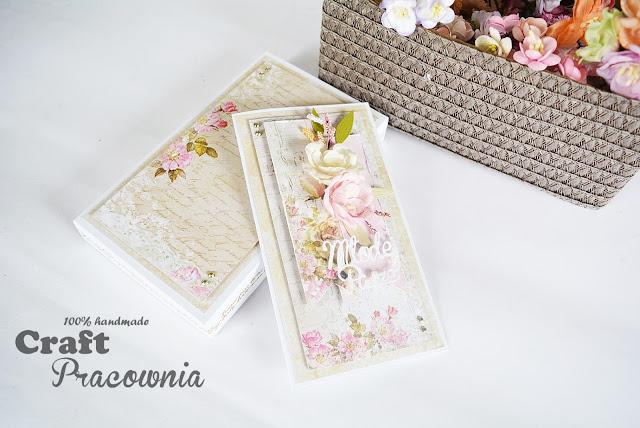 romantyczna i z kwiatami
