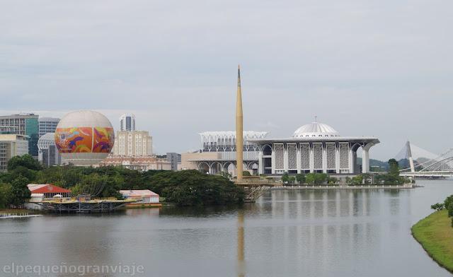 Putrajaya, Putrajaya por el dia, gasto, Malasia, tren a putrajaya