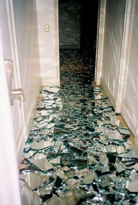 Don't Pin That: Shattered Mirror Floor