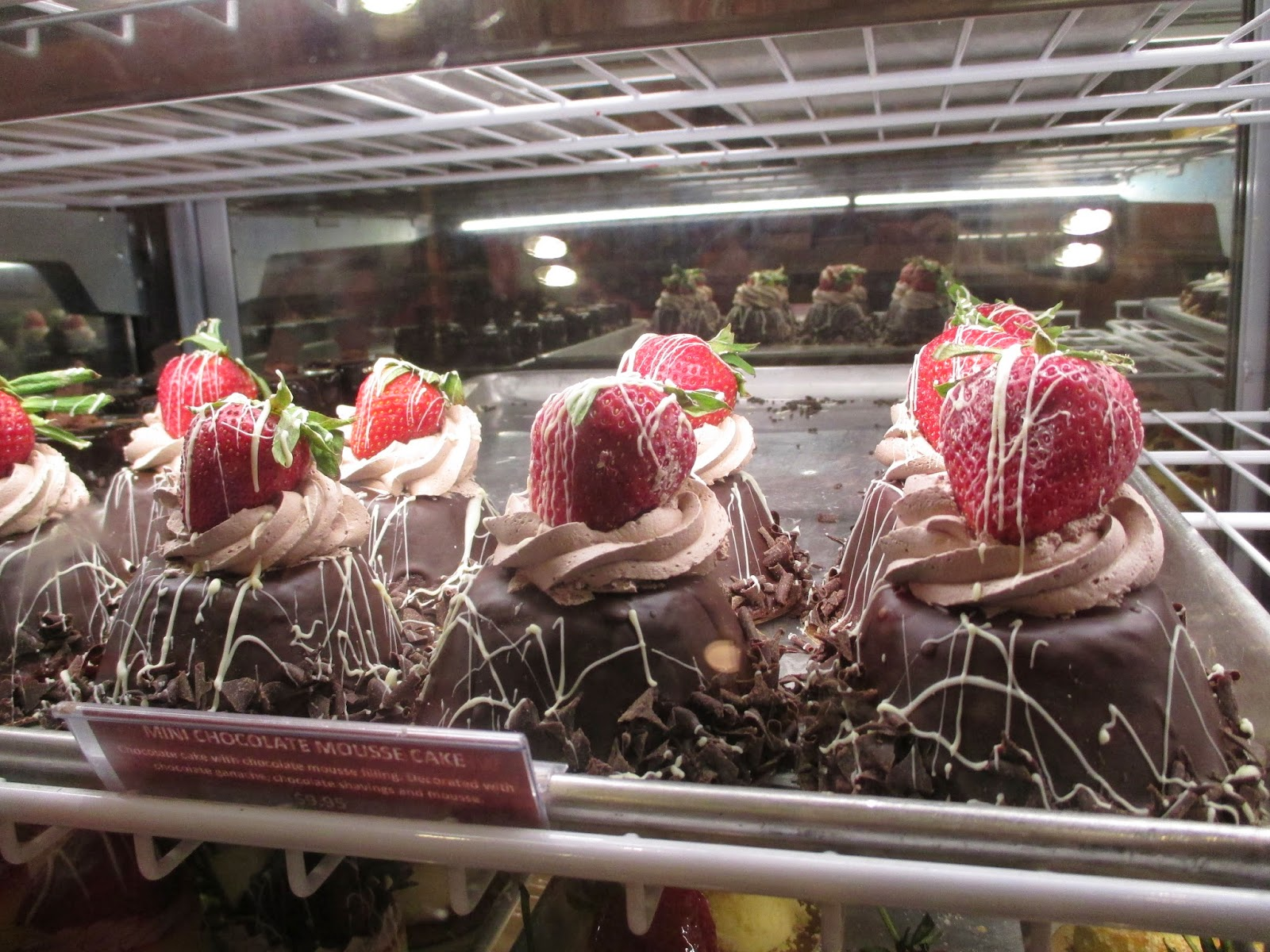 The Pastry Chef's Baking: Bakery Review: Carlo's Bakery, Las Vegas, NV