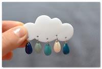 broche nuage et gouttes émaillées bleues