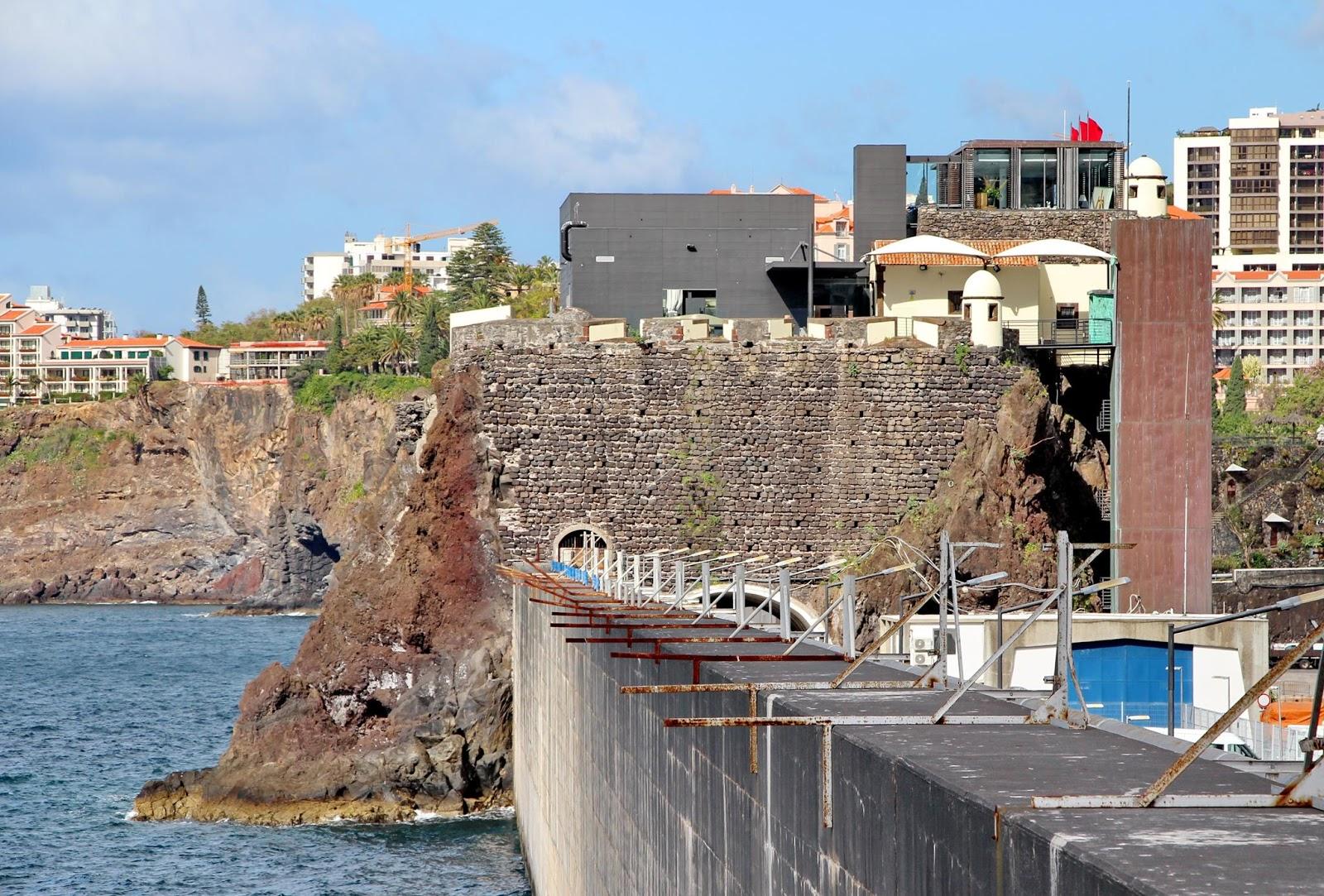 as costas do Porto do Funchal