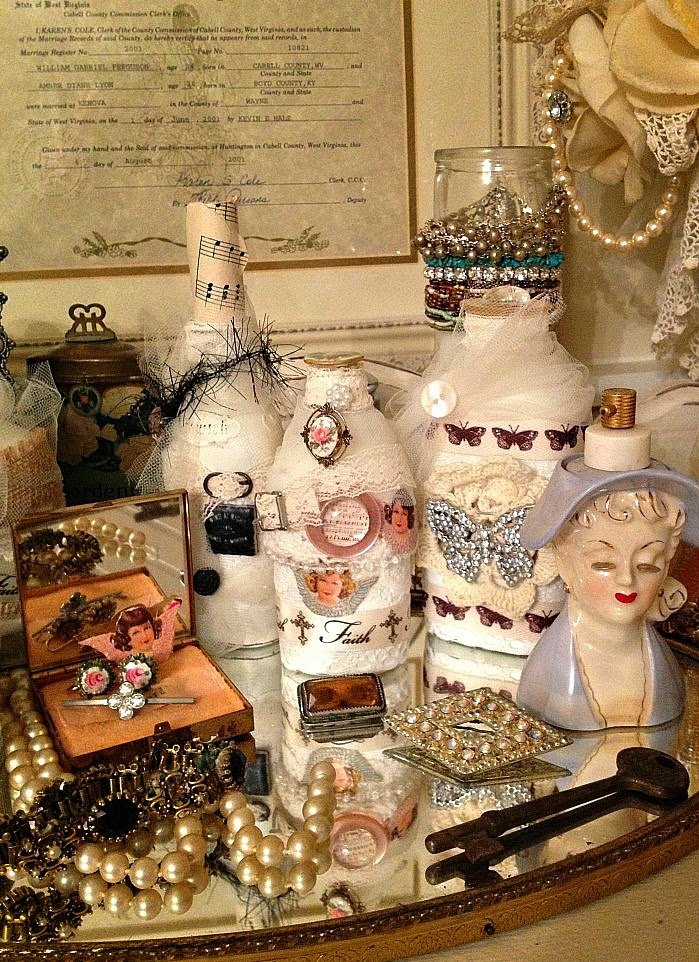 How to create a vintage bedroom of your dreams vintage jewelry collection shabby chic