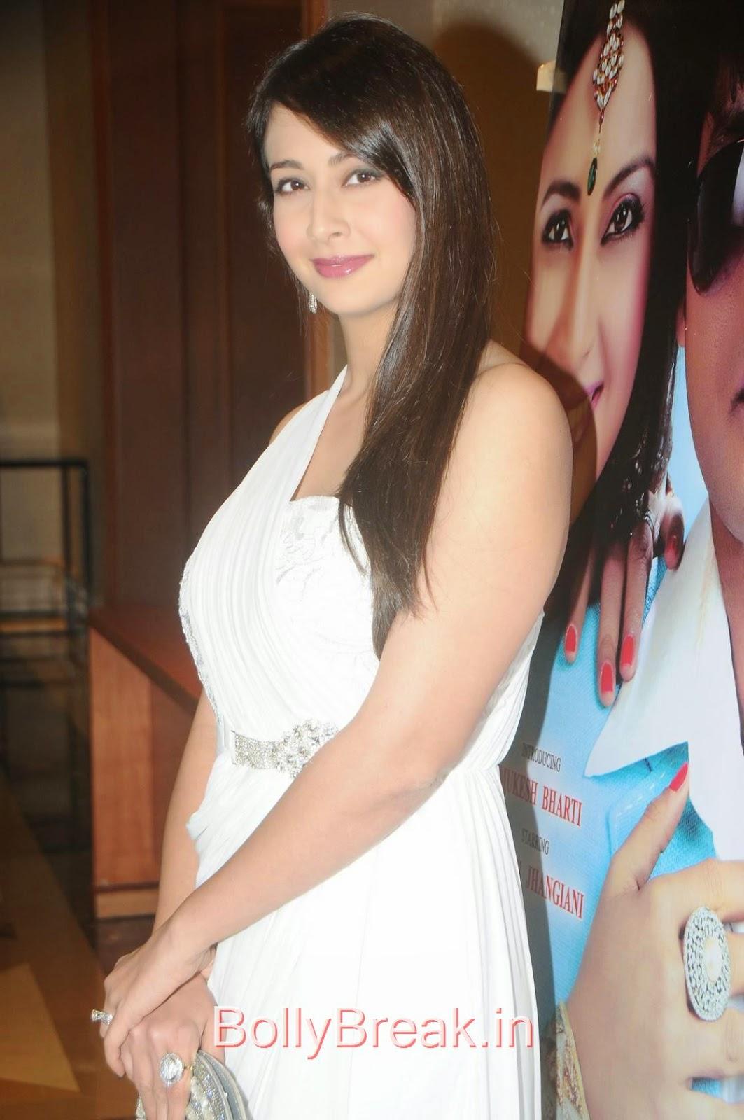Preeti Jhangiani images, Preeti Jhangiani Hot Pics in white dress from Kaash Tum Hote Trailer Launch