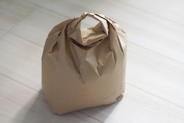 昔ながらの紙袋入りお米