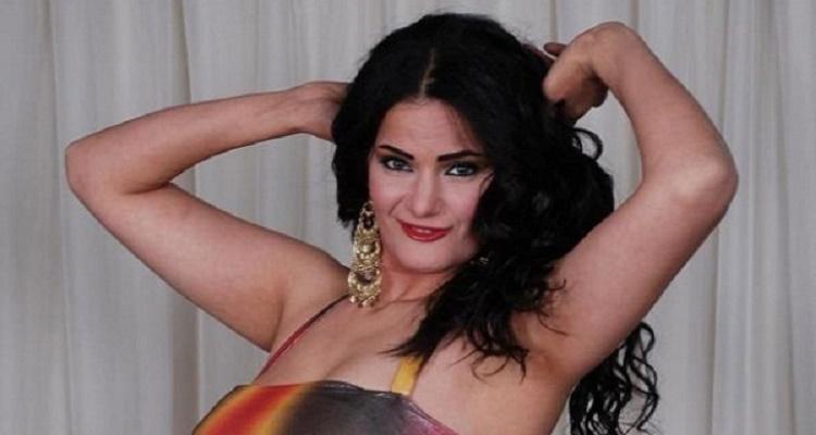 سما المصري تفقد عقلها مرة أخرى و تنشر صورة لها بالبكيني البرازيلي