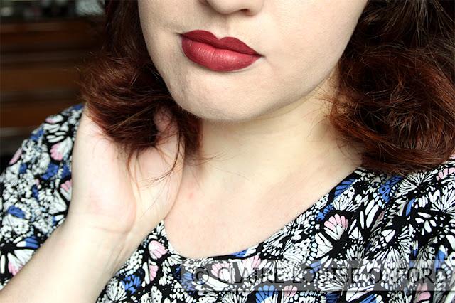 Grande Amore applicato sulle labbra - Nabla Dreamy Matte Liquid Lipstick