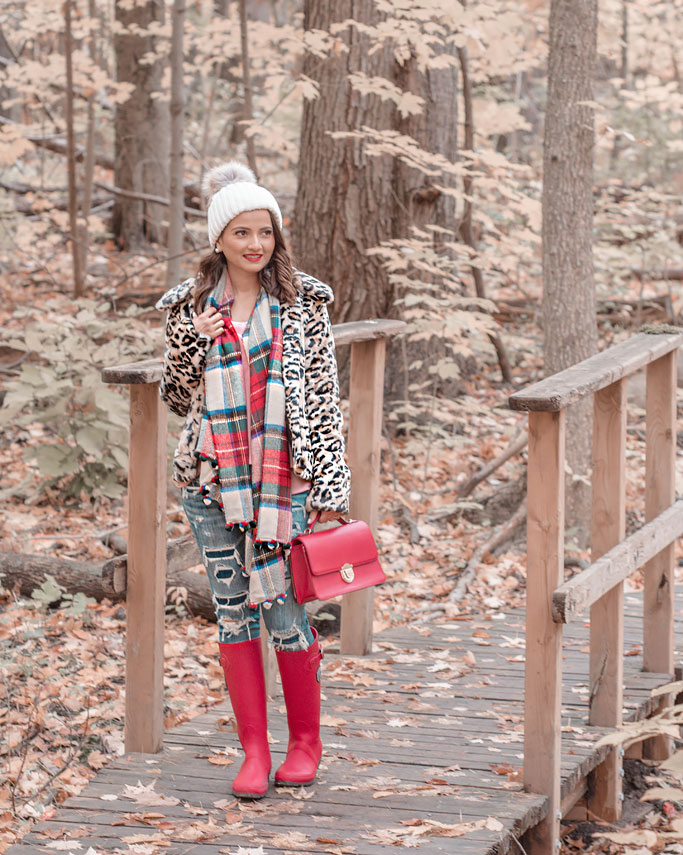How to style a leopard print coat jacket faux fur blogger outfit plaid scarf red rainboots  outfit inspiration