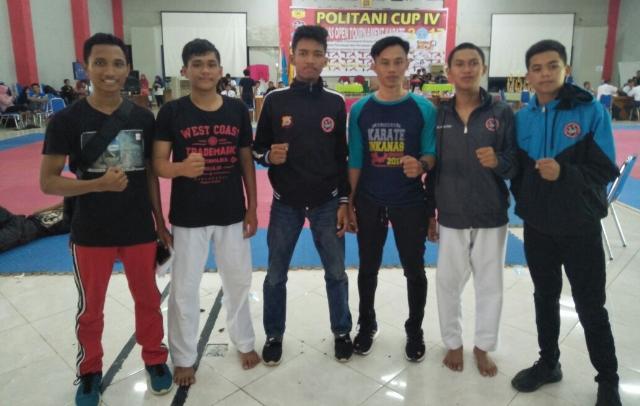 Karateka SMA 3 Bone Persembahkan Perak Pertama di  Politani Cup IV Pangkep