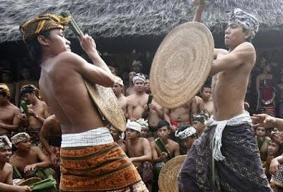Ritual Paling Menyeramkan di Indonesia 4