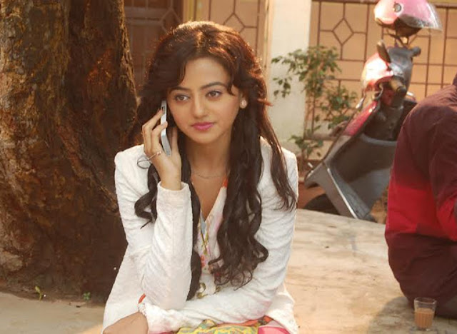 Beautiful Helly Shah HD Wallpaper