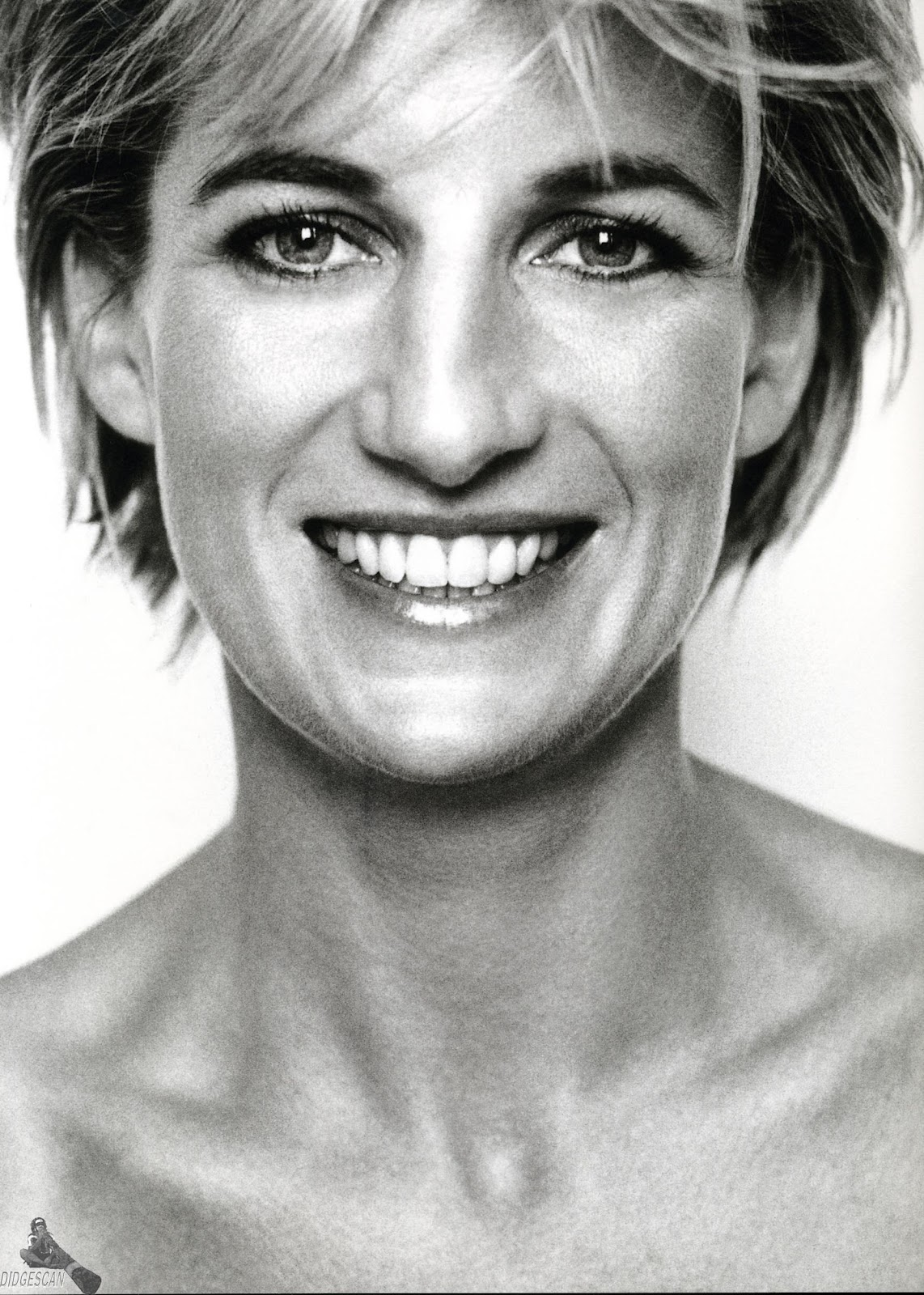 Princess Diana News Blog: L O O K I N G F O R M Y E V E: Happy Birthday, Princess Diana