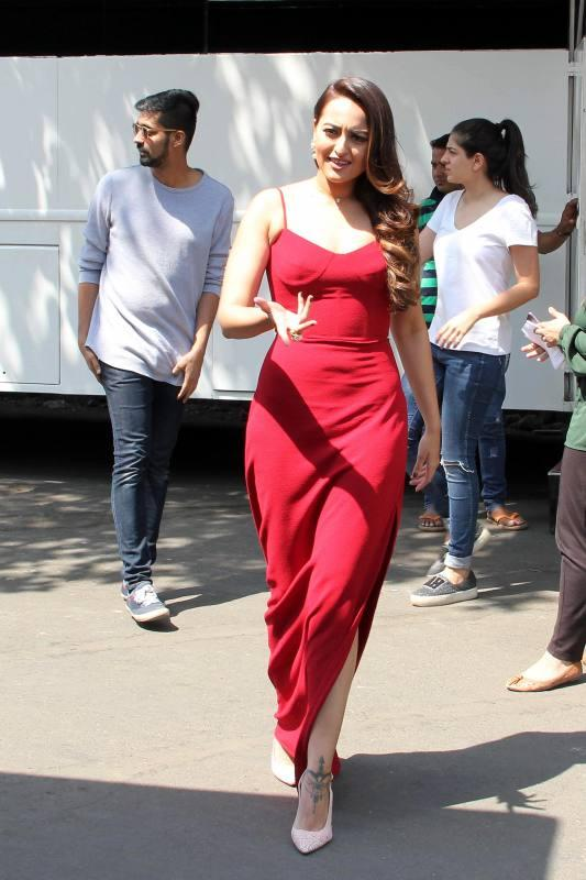 North Indian Actress Sonakshi Sinha At Promo Shoot of Nach Baliye In Red Gown
