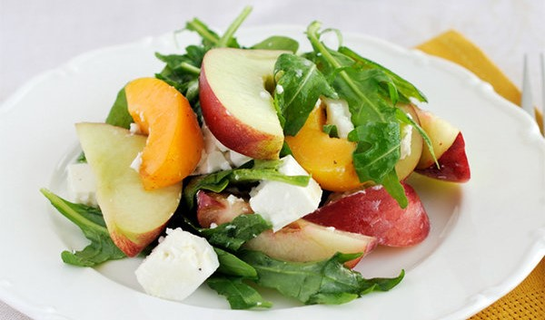 Nectarine Salad with Arugula and Goat Cheese