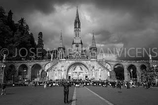 Entre el Cielo y la Tierra. Santuario de Lourdes