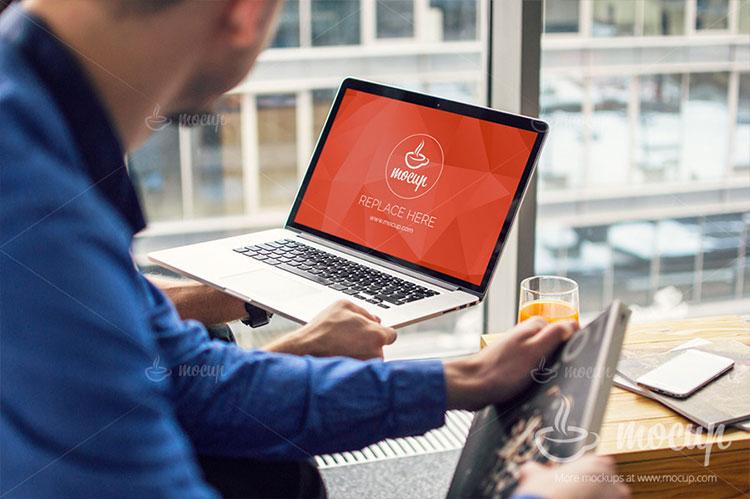 Free PSD Mockup Macbook Pro