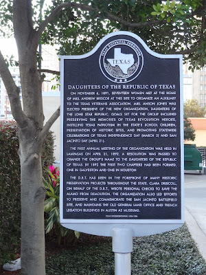 Daughters of the Republic of Texas Historical Historical Commission Marker - Image with text