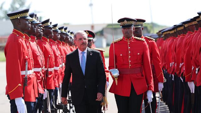 Visita de Estado: Danilo Medina llega a Jamaica. Iniciará amplia agenda en Parque Héroes Nacionales