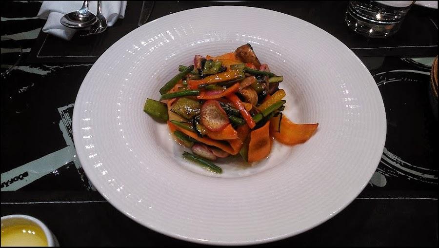 Wok de verduras de temporada Restaurante East 47 Madrid