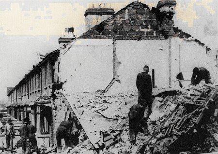 19 December 1940 worldwartwo.filminspector.com Swindon Blitz damage