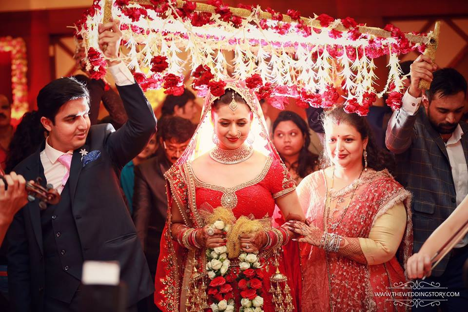 Divyanka Tripathi Mehndi Ceremony : Inside colourful divyanka tripathi vivek dahiya wedding bling