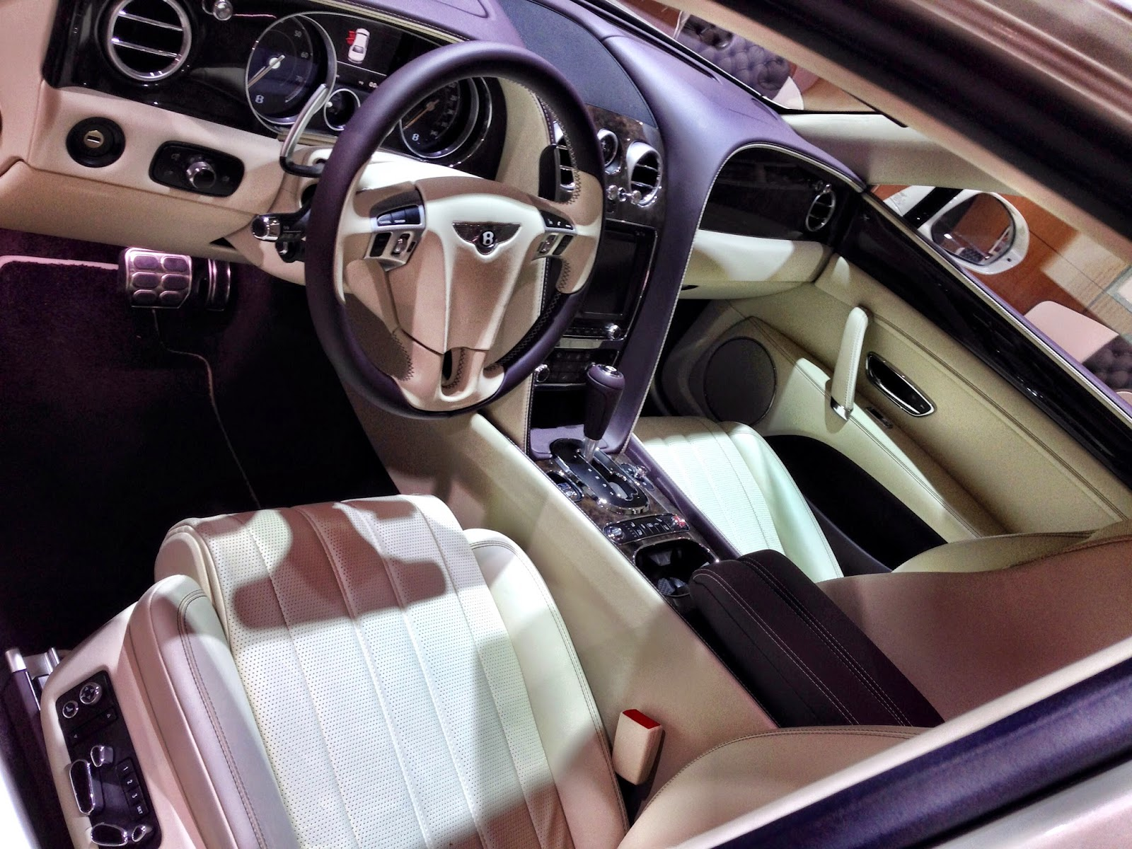interior bentley flying spur
