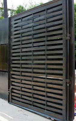 model pintu gerbang minimalis besi