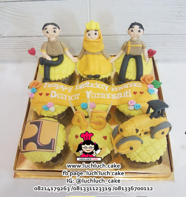 Cupcake Ulang Tahun Tema Alat Berat