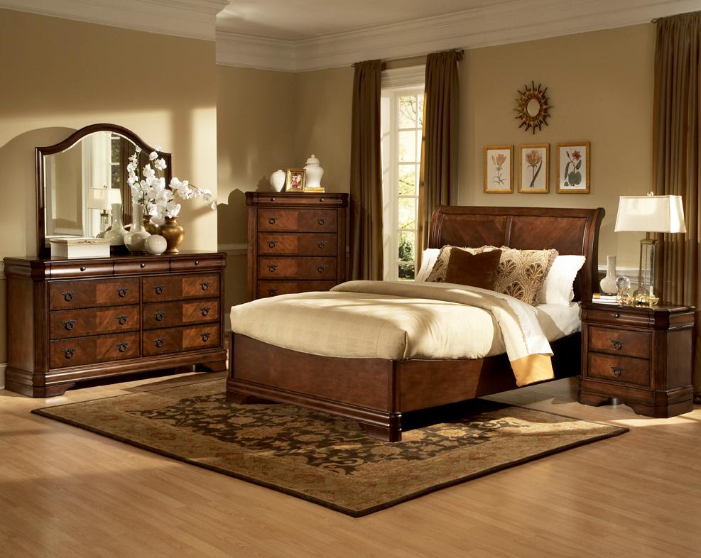 Bedroom Furniture: New Classic Bedroom!