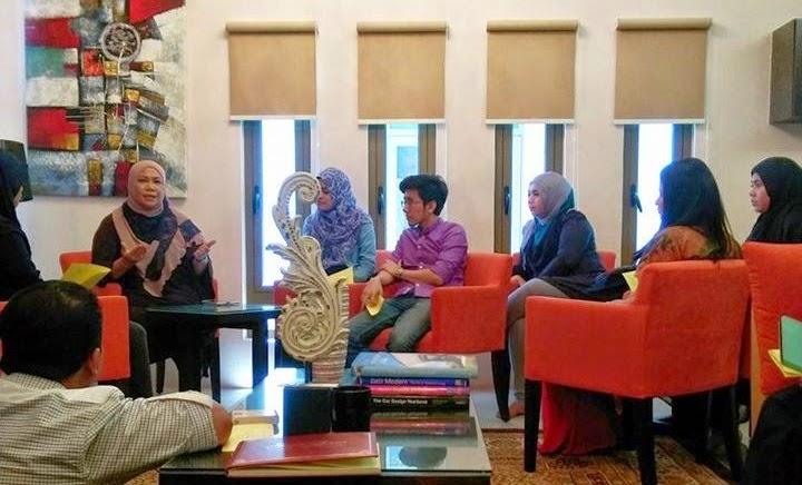 Dr Niki Shuhada Shukor berkongsi pengalaman dan tips bijak wang